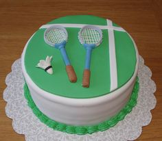 Badminton Cake - possible for mommy and daddy& wedding anniversary? Chocolate Chip Cake, Chocolate Sweets, Birthday Cakes For Men, Easy Cake Decorating, Cake Decorating Supplies, Cake Mix Cobbler, Tennis Cake, Sports Themed Cakes, Foundant