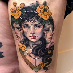 Today we want to tell you about Hannah Flowers, whose attractive neo-traditional tattoos have won the hearts of tattoo lovers from all over the world. Key Tattoos, Pin Up Tattoos, Body Art Tattoos, Sleeve Tattoos, Movie Tattoos, Skull Tattoos, Foot Tattoos, Flower Tattoo Drawings, Flower Tattoos