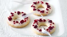 Basque cherry cake with black cherries - Healthy Food Mom Gourmet Recipes, Sweet Recipes, Cookie Recipes, Dessert Recipes, Christmas Sweets, Christmas Baking, Cherry Cake Recipe, Sweet Bar, Small Desserts