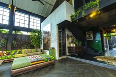 Outstanding Luxury Warehouse Villa in Batu Bolong Industrial Architecture, Sustainable Architecture, Residential Architecture, Contemporary Architecture, Tropical House Design, Tropical Houses, Interior Garden, Interior And Exterior, Style At Home
