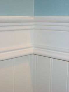 tutorial baseboards and chair rail - Bathroom Beadboard