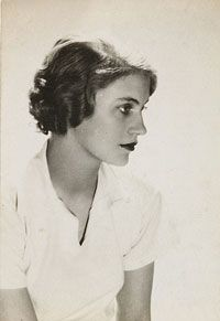 "philamuseum: "" COLLECTION CRUSH: Lee Miller More than just a pretty face, Lee Miller was a groundbreaking and versatile artist who proved successful on both sides of the camera. A professional model and later a muse for the Surrealist movement, she."