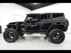 SEXY BLACK 2015 4 DOOR JK