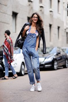 #SaraRossetto & her overalls in Milan .