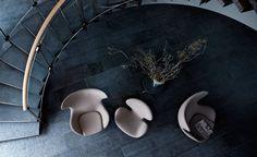 Arne Jacobsen Swan Chair for Fritz Hansen