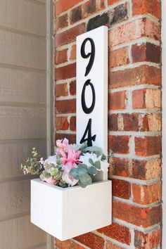 Home Crafts, Home Projects, Diy Home Decor, Diy Planter Box, Diy Planters, House Front Door, Front Door Decor, Craftsman House Numbers, Diy House Numbers