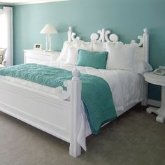 (Η) décor boho, turquoise bedroom walls, turquoise teen bedroom, teal bedro Turquoise Bedroom Walls, Tiffany Blue Bedroom, Bedroom Turquoise, Light Teal Bedrooms, Turquoise Bedding, White Bedrooms, Gold Bedroom, Girl Bedrooms, My New Room