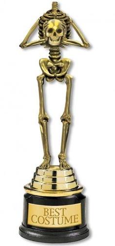 Skelett Pokal als toller Gewinn für deine Halloween Party oder Karnevals Tombula. Jeder Gast freut sich, wenn er bei einem Kostümwettbewerb einen tollen Pokal für das beste #Kostuem gewonnen hat