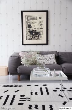 Hunajaista-käyttäjämme taidonnäyte olohuoneen harmoniasta. #inspiroivakoti #kodinsisustus #olohuone Decor, Furniture, Room, Living Spaces, Home Decor, Room Inspiration, Living Room Inspiration, Scandinavian Interior, Home And Living