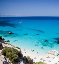 Gastronomické zážitky  krásná příroda a bělostné pláže?  To vše a mnohem více je Itálie!  #ckbluestyle #bsdovolena #travelgram #wanderlust #wonderfulplaces #instatravel #dovolena #italie #italy #sicily #calabria Strand, Blues, Beach, Travel, Outdoor, Instagram, Places, Italy, Destinations