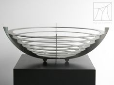Brushed stainless steel bowl, in the shape of an ufo. Stainless Steel Bowl, Marcel, Ufo, Craftsman, Decorative Bowls, Shapes, Design, Home Decor, Artisan