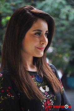 Beautiful Girl Indian, Most Beautiful Indian Actress, Beautiful Gif, Beautiful Saree, Beautiful Women, Stylish Girl Images, Stylish Girl Pic, Beautiful Bollywood Actress, Beautiful Actresses