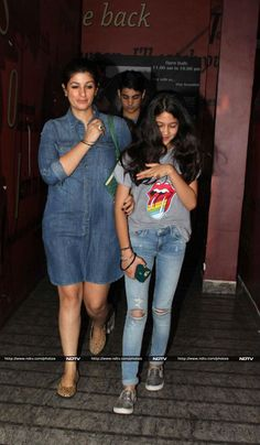 Akshay was accompanied by his wife actress Twinkle Khanna and son Aarav. Twinkle looked trendy in a short denim dress. Bollywood Actress Hot, Beautiful Bollywood Actress, Beautiful Indian Actress, Bollywood Fashion, Indian Actress Photos, Indian Film Actress, Indian Actresses, Bollywood Images, Bollywood Couples