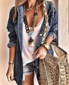 easy and cute spring outfits ideas for teenage girl 46 Hippie Style Clothing, Hippie Outfits, Bohemian Outfit, Bohemian Jewelry, Boho Fashion, Fashion Outfits, Womens Fashion, Fashion Styles, Style Fashion