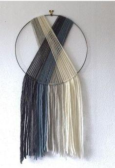 How to Make Round Macramé Coasters Macrame Wall Hanging Diy, Macrame Art, Macrame Projects, Diy Projects, Macrame Knots, Tapestry Wall Hanging, Yarn Crafts, Home Crafts, Diy Home Decor