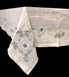 Linen Bedding, Bed Linens, Baby Embroidery, Antique Lace, Vintage Antiques, Textiles, Luxury, Tableware, Embroidery Sampler