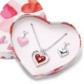 Interchangeable Heart Pendant Necklace Set Mix or match these boxed silvertone sets! Silvertone necklace with 3 interchangeable heart pendants Heart Pendant Necklace, Necklace Set, Heart Pendants, Jewelry For Her, Jewelry Gifts, Jewellery, Avon Fashion, Heart Chain, Valentines Day Gifts For Her