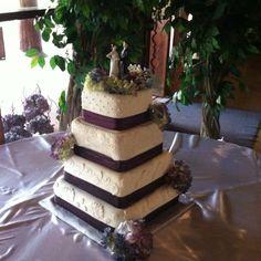 Edible lace, real flowers. By Adair Weddings