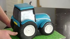 Back of tractor cake                                                                                                                                                                                 Mehr