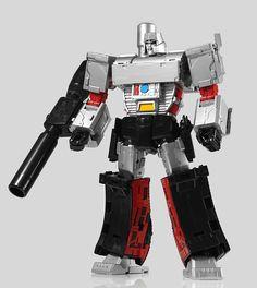 Maketoys Despotron Color Testshot Images - Transformer World 2005 - TFW2005.COM