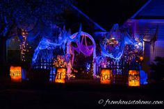 Halloween Outdoor Lighting Ideas: 18 Spooky Ways To Light Your Yard - Entertaining Diva @ From House To Home These Halloween outdoor decor ideas are AWESOME! I'm definitely going to have the best front yard Halloween lighting in the neighborhood us Halloween Graveyard, Fairy Halloween Costumes, Halloween Scene, Scary Halloween Decorations, Halloween Banner, Halloween Displays, Theme Halloween, Halloween Prop, Outdoor Halloween