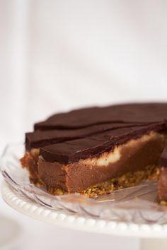 Chocolate and Vanilla Flecked Cream Cake (by SugarAndCinnamon.com) - Gluten-free, raw, vegan, sugar free