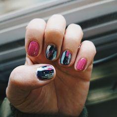 #アート気取りネイル #セルフネイル #selfnail #nailart #ダスティローズ #ミッドナイトブルー #メタリックシルバー #ネイビー #ホワイト #nail