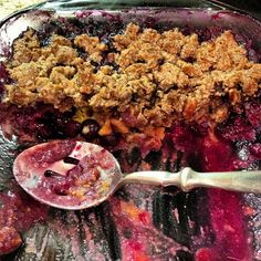 Sooo Paleo: Blueberry Peach Cobbler Crisp. Add oats and flax!
