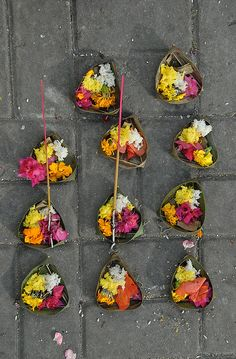 Bali, Flower Offering via Flickr.