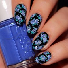 Blue lil flowers ! #nailart #nails