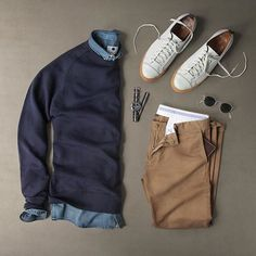 Classic casual grid @thepacman82  Pages to upgrade your style  @stylishmanmag ✅ @shopthatgrid ✅ @dadthreads ✅ @flygrids ✅