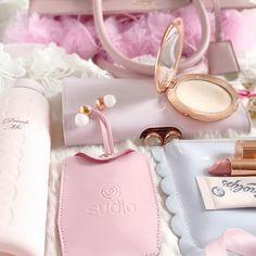 Love, Catherine   My Handbag Essentials