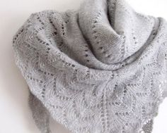 Free Simplicity Triangle Shawl pattern // Amadeit on Craftsy.