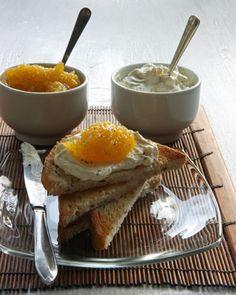 Kurpitsa-sitruuna-kardemummahillo on maukkaimmillaan aamiaispaahtoleivillä. Säilöntä ajoittuu koulujen alkuun kun kurpitsat ovat jo reilun kokoisia.