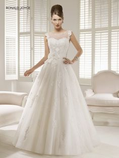 Brautkleid Ronald Joyce Collection