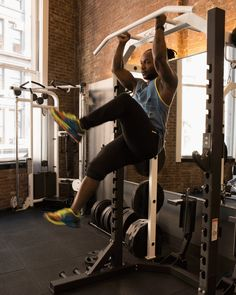 2. Hanging Bicycles #abs #workout #exercises http://greatist.com/move/abs-workout-most-effective-core-moves-to-do-at-the-gym