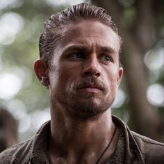Charlie Hunnam as King Arthur Pictures | POPSUGAR Entertainment