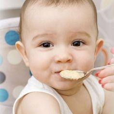 Receta fácil de pollo para niños. Bolitas de pollo y queso, un entrante sencillo para la comida de los niños. recetas fáciles para niños. Recetas con pollo para la comida de los niños. receta de bolitas de pollo con queso.