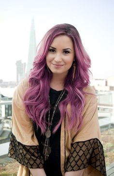 Demi Lovato is not afraid of changing her hair, so.... let's find out now which hair you should have.
