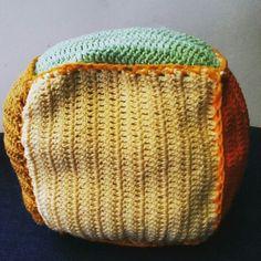 Bola de crochê.  #artesanato #crochê #linha #agulha