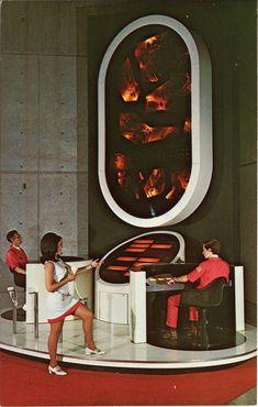 AL Huntsville - Missile Strategy Computer Alabama Space & Rocket Center Hunstville Alabama Science Fiction Kunst, Rocket Center, Cyberpunk, Colani, Atomic Age, Arte Popular, Googie, Space Age, Vintage Design