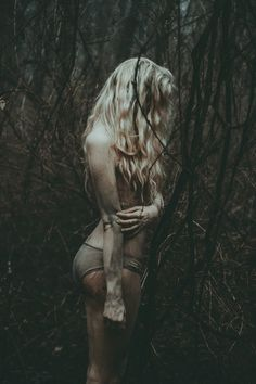 trendy Ideas photography dark portrait woods - Real Time - Diet, Exercise, Fitness, Finance You for Healthy articles ideas Dark Art Photography, Woods Photography, Portrait Photography, Dark Fantasy, Fantasy Art, Dark Portrait, Arte Obscura, Foto Art, Dark Beauty