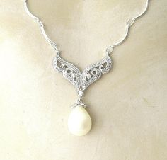 Vintage pearl filigree necklace.White gold plated sterling ivory pearl necklace. Silver scalloped  necklace. Bridal Jewelry. Wedding Jewelry...