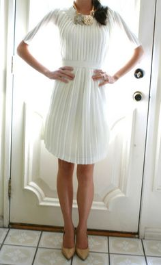 Welcome to the gOOd life: DIY-pleated dress. Almost ridiculously easy remake of an old pleated skirt!