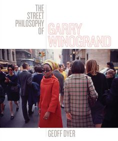 In the tradition of John Szarkowski's classic book Atget, award-winning author Geoff Dyer writes one hundred essays about one hundred photographs, including previously unpublished color work, by renowned street photographer Garry Winogrand.