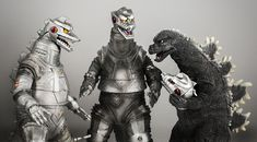 From left to right: X-Plus Mechagodzilla Mechagodzilla 1975 and Godzilla 1975 with Mechagodzilla head. Godzilla Toys, Japanese Monster, King Kong, Back In The Day, My Hero, Monsters, 1950s, Universe, Creatures