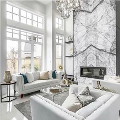 37 White and Silver Living Room Ideas That Will Inspire You - Home Decor Bliss Silver Living Room, Elegant Living Room, Elegant Home Decor, Elegant Homes, Living Room Modern, Living Rooms, Barn Living, Cozy Living, Small Living