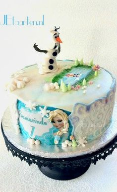 Frozen Cake with Olaf and Elsa