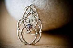 DIY Jewelry Pattern - Celtic Knot Pendant, Project Base Wire Jewelry Tutorial, DCHMT009 on Etsy, $10.00