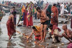 Morning bathe in January 22 All My People, People People, Esoteric Art, Steve Mccurry, Street Portrait, January 22, Varanasi, Street Photo, Beauty Full Girl